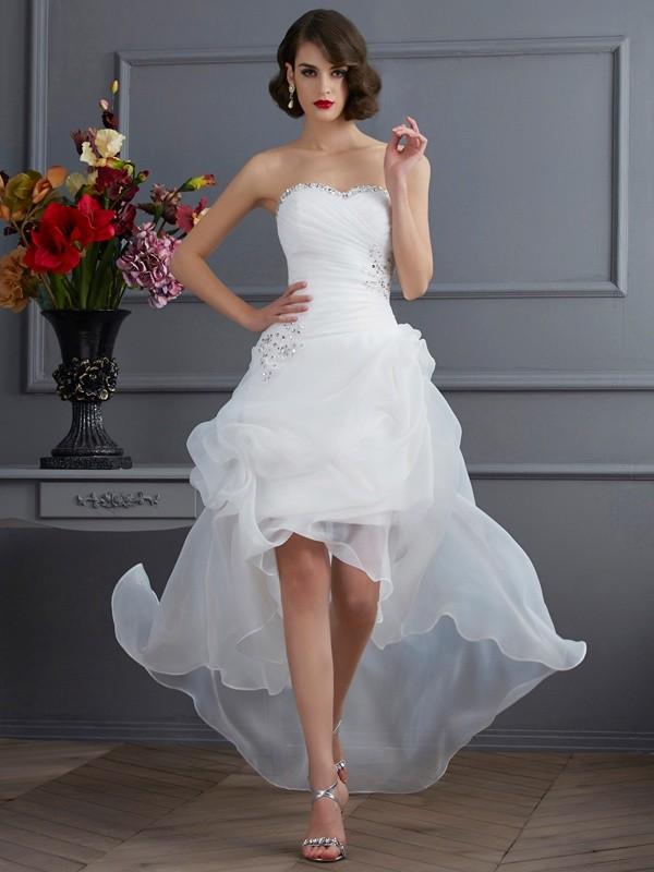 A-linjeformat Hjärtformad Ärmlös Pärlbrodering Hög Låg Organzapåse Brudklänningar