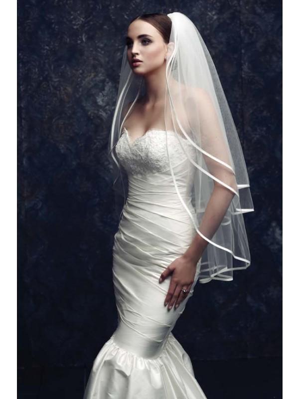 Gorgeous 3 Layer Tyll Wedding Slöjor
