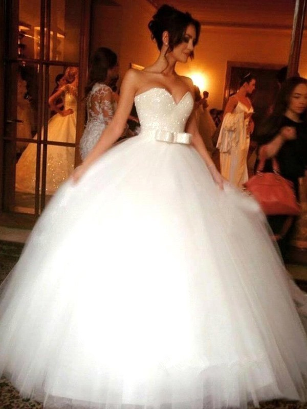 Stora Rosett Hjärtformad Tyll Ärmlös Golvläng Bröllopsklänningar