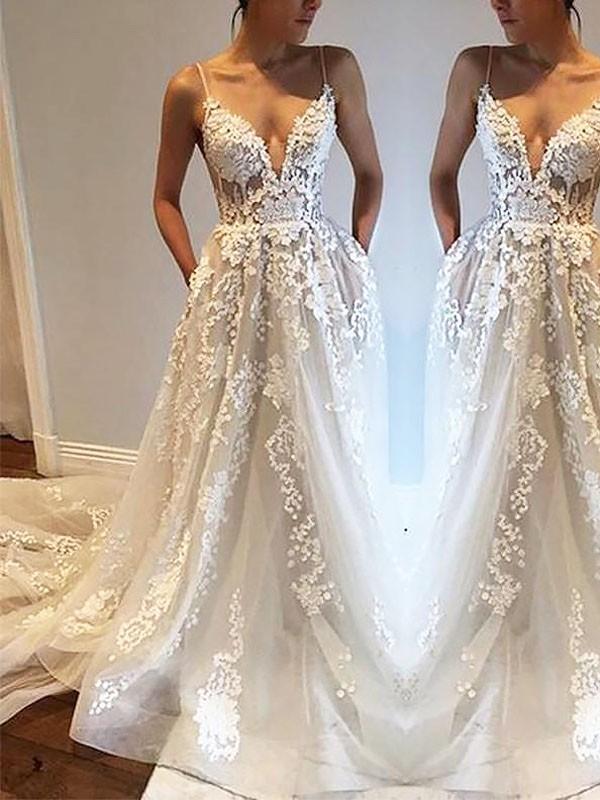 A-linjeformat Smala axelband Court släp Tyll Ärmlös Bröllopsklänningar