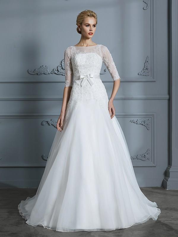 48c83df9e8c4 A-linjeformat 1/2 Ärmar Rund-urringning Spetsar Court släp Tyll  Bröllopsklänningar