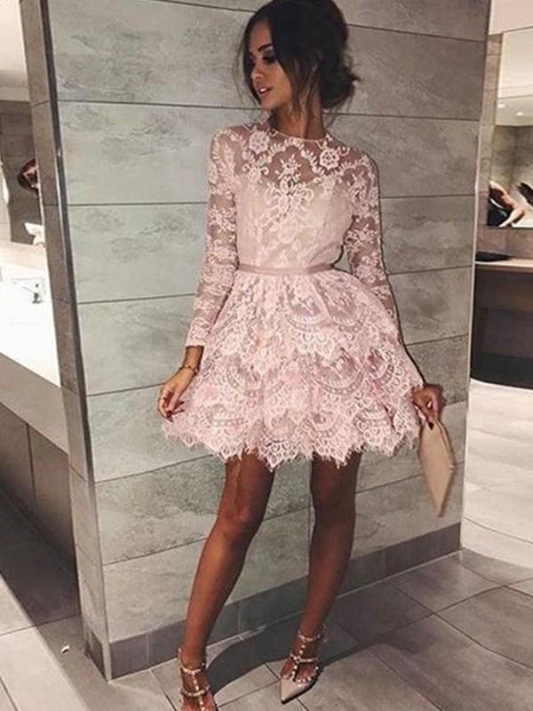 A linjeformat Satäng Långa ärmar Kortmini klänning | brudmode