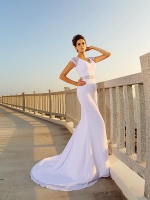 Slida/Kolumn V-ringning Pärlbrodering Ärmlös Långa Chiffong Strand Brudklänningar