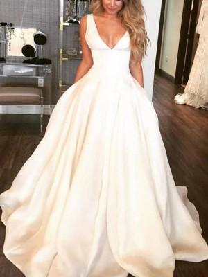 A-linjeformat Ärmlös V-ringning Sweep släp Rufsar Satäng Bröllopsklänningar