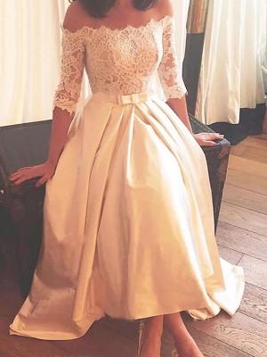 A-linjeformat Off-shoulder ringning Asymmtrisk Sweep släp 1/2 Ärmar Spetsar Satäng Bröllopsklänningar