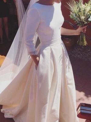 A-linjeformat 3/4 Ärmar Rund-urringning Sweep släp Rufsar Satäng Bröllopsklänningar