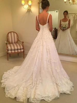 A-linjeformat Ärmlös Axelband Square urringning Court släp Applikation Spetsar Bröllopsklänningar