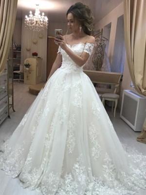 A-linjeformat Off-shoulder ringning Ärmlös Sweep släp Applikation Tyll Bröllopsklänningar