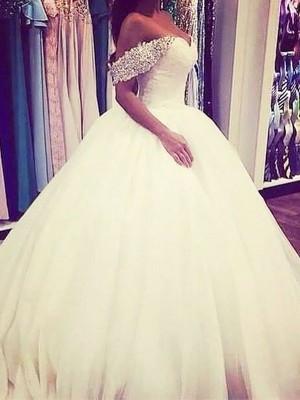 Stora Tyll Off-shoulder ringning Sweep släp Ärmlös Pärlbrodering Bröllopsklänningar