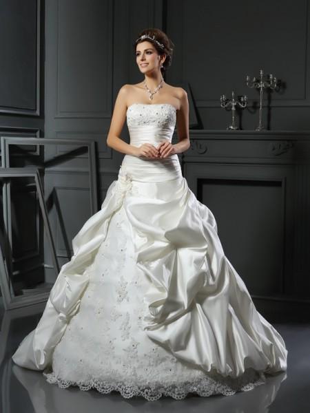 Balklänning Hjärtformad Pärlbrodering Applikation Ärmlös Långa Satäng Brudklänningar