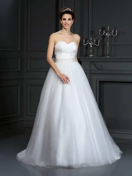 Balklänning Hjärtformad Pärlbrodering Ärmlös Långa Nät Brudklänningar