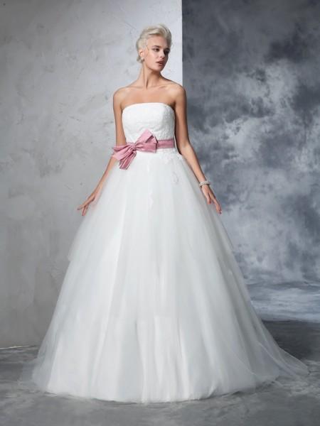 Balklänning Axelbandslös Rosett Ärmlös Långa Nät Brudklänningar