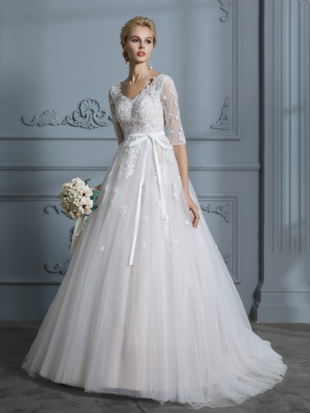 Stora V-ringning Court släp 1/2 Ärmar Spetsar Tyll Bröllopsklänningar