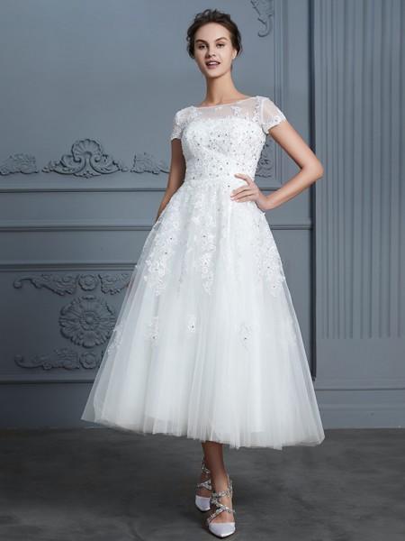 A-linjeformat Rund-urringning Korta ärmar Tea-lång Pärlbrodering Tyll Bröllopsklänningar