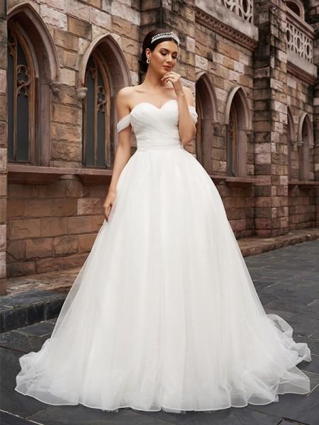 A-linjeformat Off-shoulder Tyll Ärmlös Volanger Court släp Bröllopsklänningar