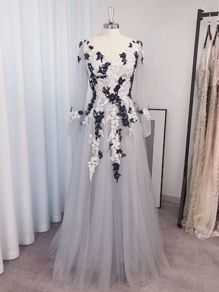 A-Line/Princess Tulle Applique V-neck Long Sleeves Floor-Length Dresses