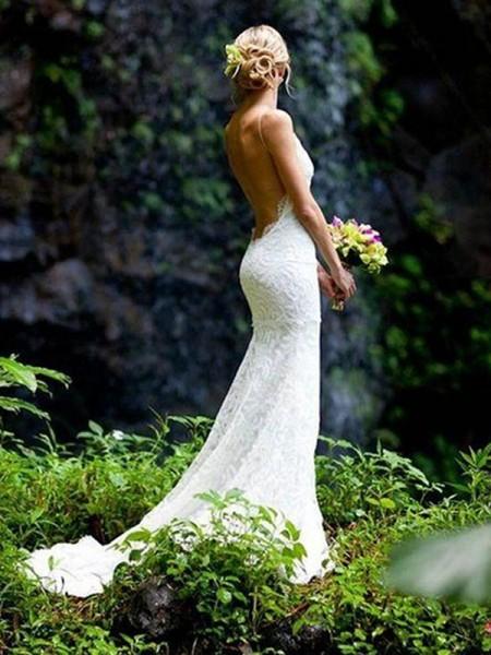 Slida/Kolumn Ärmlös V-ringning Smala axelband Court släp Spetsar Bröllopsklänningar