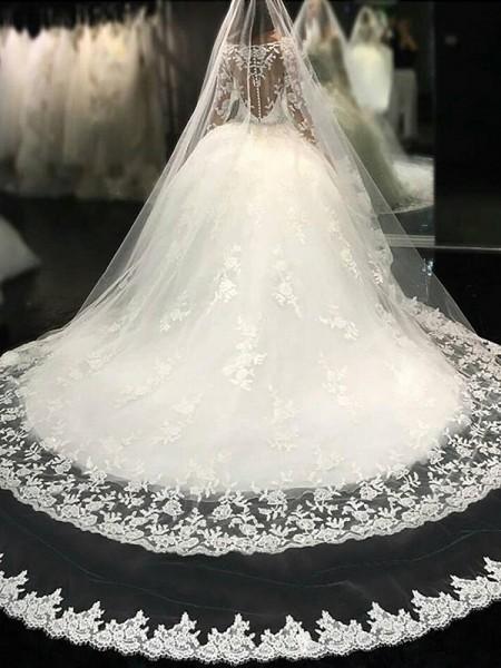 Stora Rund-urringning Långa ärmar Spetsar Domkyrkan tåg Applikation Tyll Bröllopsklänningar