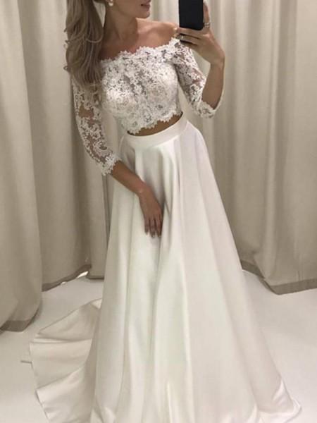 A-linjeformat 3/4 Ärmar Off-shoulder ringning Court släp Applikation Satäng Bröllopsklänningar