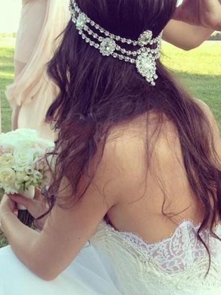 A-linjeformat Hjärtformad Ärmlös Tyll Spetsar Court släp Bröllopsklänningar