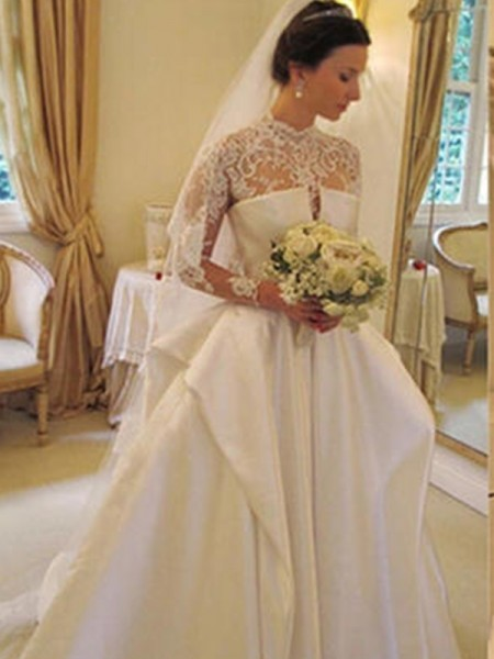 Stora Satäng Spetsar Hög hals Långa ärmar Chapel släp Bröllopsklänningar