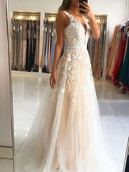 A-Line/Princess V-neck Sleeveless Sweep/Brush Train Applique Tulle Dresses