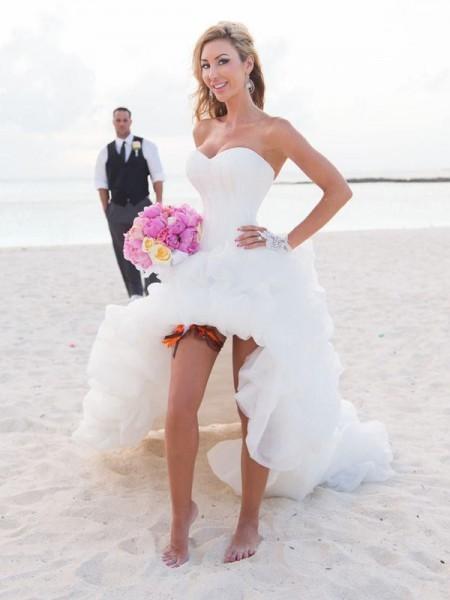 A-linjeformat Hjärtformad Asymmtrisk Ärmlös Organzapåse Bröllopsklänningar