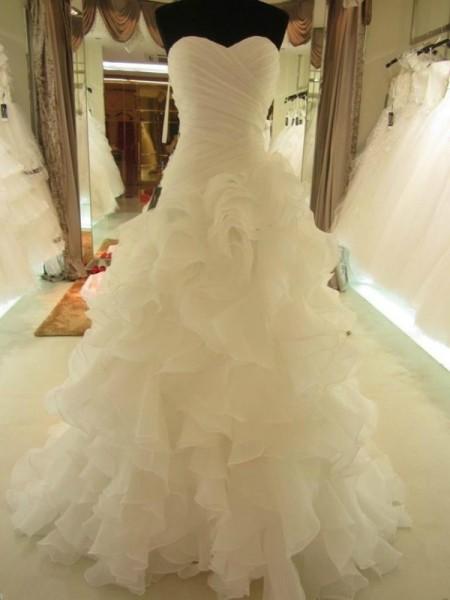 Stora Rufsar Hjärtformad Organzapåse Ärmlös Court släp Bröllopsklänningar