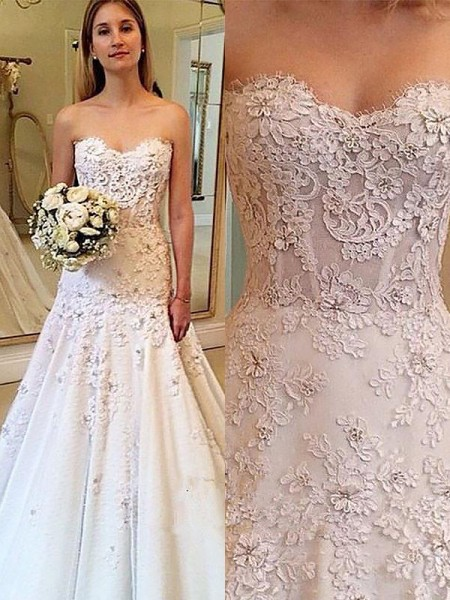 A-linjeformat Hjärtformad Spetsar Court släp Ärmlös Bröllopsklänningar