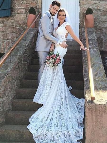 Trumpet/Sjöjungfru Hjärtformad Spetsar Ärmlös Court släp Bröllopsklänningar