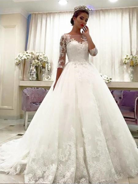 Stora Tyll 3/4 Ärmar Bateu Spetsar Court släp Bröllopsklänningar