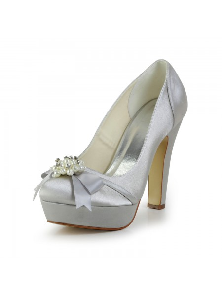 Women's Satäng Chunky Heel Closed Toe Platform Silver Bröllop Skor Dekorera med Rosett