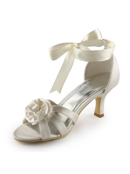 Women's Satäng Stiletto Heel Sandalerer Ivory Bröllop Skor Dekorera med Satäng Blommor