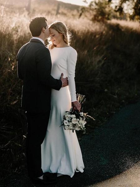 Slida/Kolumn Juvel Långa ärmar Golvläng Rufsar Vävd satäng Bröllopsklänningar