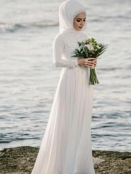 A-linjeformat Juvel Långa ärmar Golvläng Applikation Chiffong Bröllopsklänningar